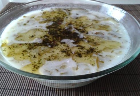 Pazılı Yoğurt Çorbası