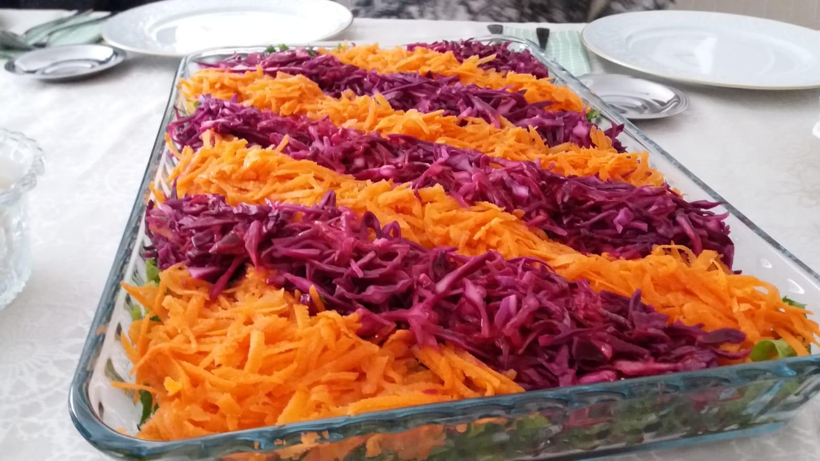 Marul Yatağında Kış Salatası