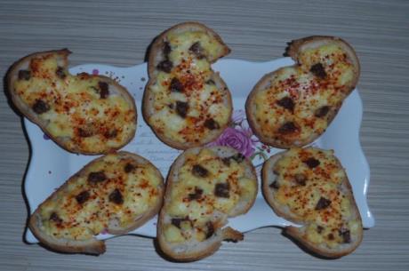 Peynirli Kanepe