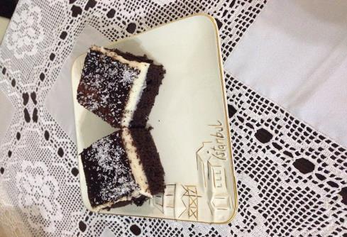 Esmer güzeli pasta